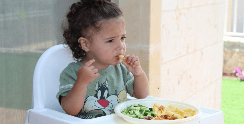 Como é a alimentação do bebê entre 9 e 12 meses?